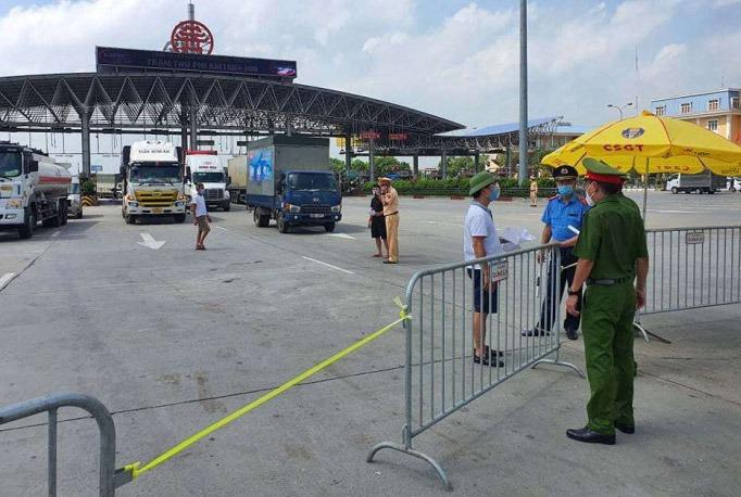 Hà Nội: Những xe 'luồng xanh' được đi qua trong thời gian giãn cách xã hội 1