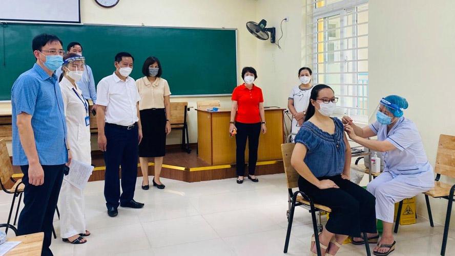 Hà Nội: Tiêm 72.388 mũi vắc xin ngừa Covid-19 trong ngày 29-7 2