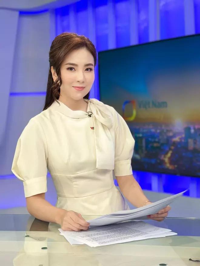MC Mai Ngọc VTV công khai tiết lộ bí mật tủ đồ của nhà đài, cách duy trì hình ảnh trên sóng 1