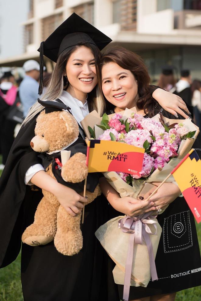 Ái nữ đại gia thủy sản Ngọc Thanh Tâm lộ sở thích 'thử làm chuyện 19+' trên bãi biển 3