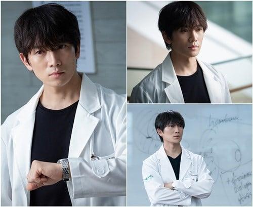 9 nam thần Kbiz khoác blouse trắng: Ahn Hyo Seop, Lee Dong Wook, Lee Jong Suk khiến fan muốn 'khám bệnh' luôn 4