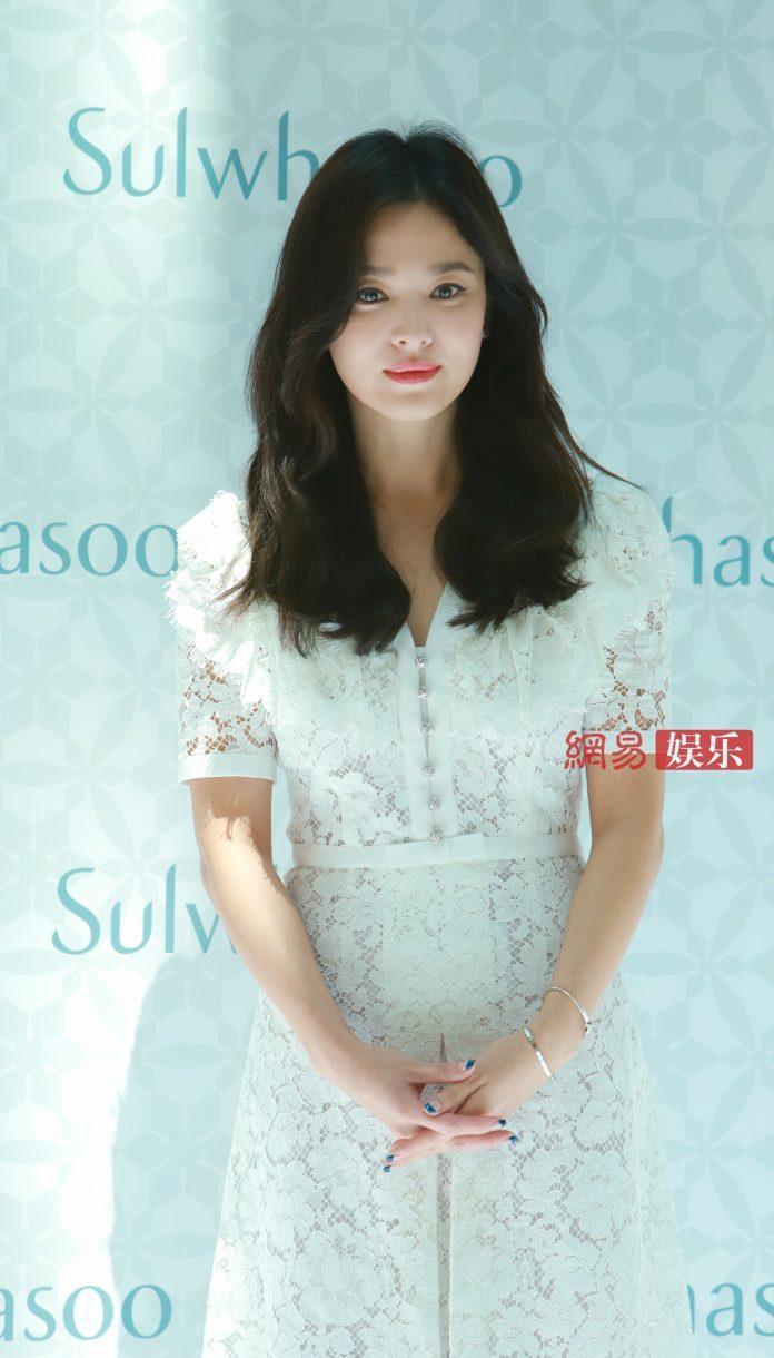 5 mỹ nhân hàng đầu Kpop 'rủ nhau' có chung 1 khuyết điểm: Song Hye Kyo, Tzuyu, Rosé trông 'dị dị' 2
