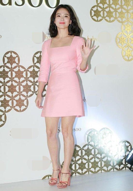 5 mỹ nhân hàng đầu Kpop 'rủ nhau' có chung 1 khuyết điểm: Song Hye Kyo, Tzuyu, Rosé trông 'dị dị' 3