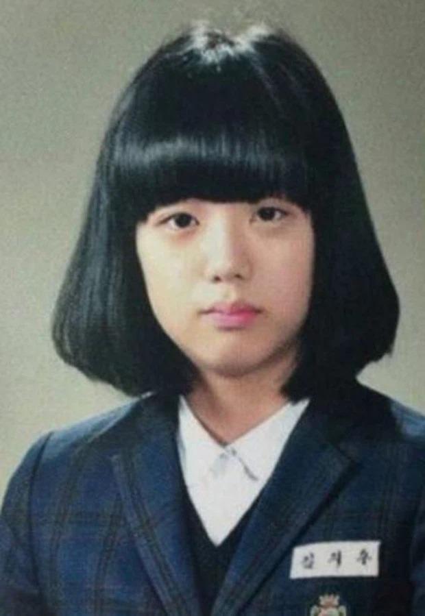 'Thời trẻ trâu' của 10 mỹ nhân Kpop: ITZY, BLACKPINK, 2NE1,.. bị ngờ vực 'cải mặt' làm Idol 1