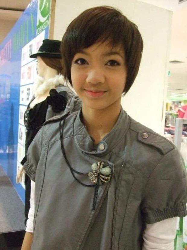 'Thời trẻ trâu' của 10 mỹ nhân Kpop: ITZY, BLACKPINK, 2NE1,.. bị ngờ vực 'cải mặt' làm Idol 2