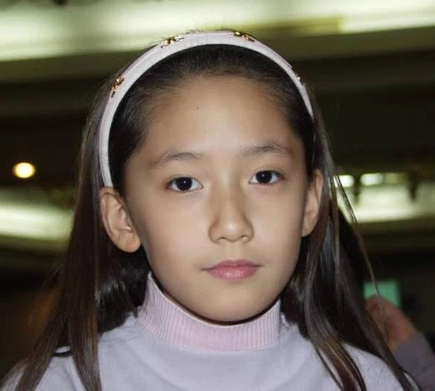 'Thời trẻ trâu' của 10 mỹ nhân Kpop: ITZY, BLACKPINK, 2NE1,.. bị ngờ vực 'cải mặt' làm Idol 8