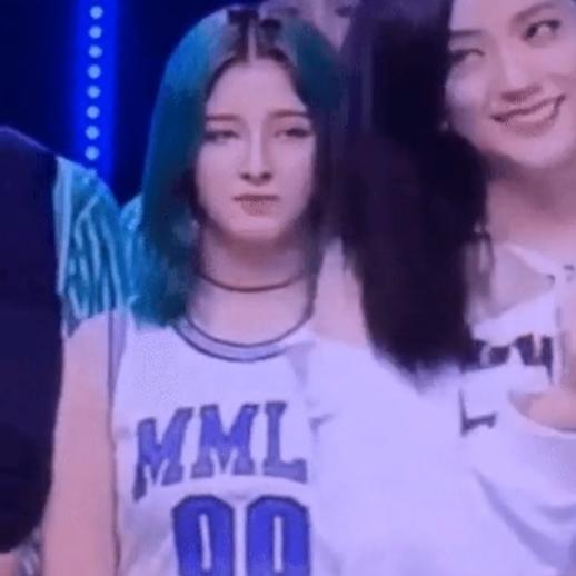 Encore - 'tụ điểm' drama của mọi Idol Kpop: RM (BTS) tạo nét, 'tình tay 3' của Jennie BLACKPINK,..  2