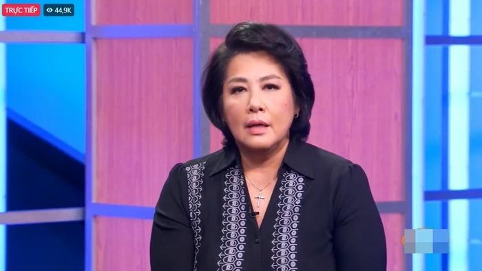 Tiết lộ hiếm hoi việc Phi Nhung stress rất nặng trước khi qua đời vì lùm xùm với bà Phương Hằng 4