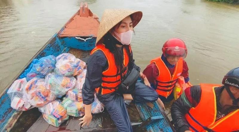 Showbiz 24h: Phía Phi Nhung bức xúc khi Hồ Văn Cường 'cúi gằm mặt'; Thủy Tiên lại ngầm hứa hẹn tiền từ thiện 5