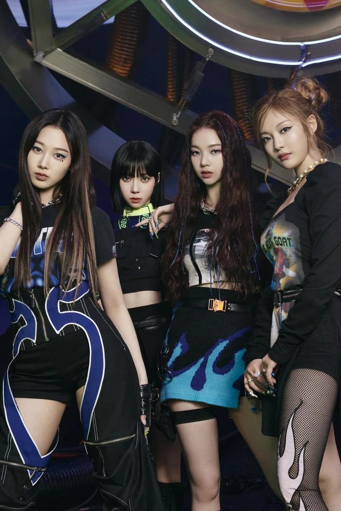 Kpop hot tuần qua: BLACKPINK ngập tràn drama, aespa 'vượt mặt' thành tích BTS, 3 cựu thành viên GFriend ra mắt nhóm mới 8