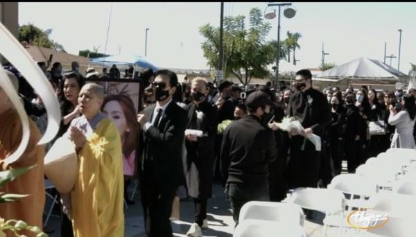 Toàn cảnh không khí nghẹn ngào trong tang lễ Phi Nhung: Con trai Wendy ngơ ngác nhìn bà ngoại 7