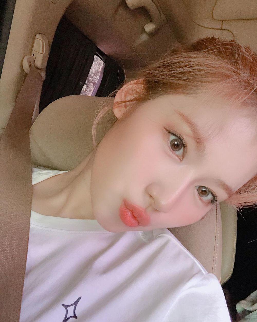 5 Idol Kpop nữ là con một trong nhà: Sana (TWICE), Jennie (BLACKPINK), Miyeon ((G)-IDLE),.. được cưng như 'trứng mỏng' 3