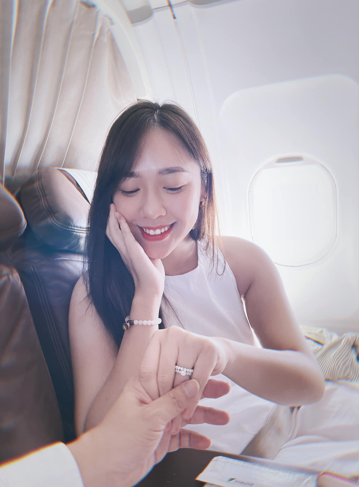 MC VTV được tỷ phú cầu hôn trên máy bay: Vẻ đẹp đúng chuẩn hoa hậu, thân hình hoàn hảo vạn người mê 1
