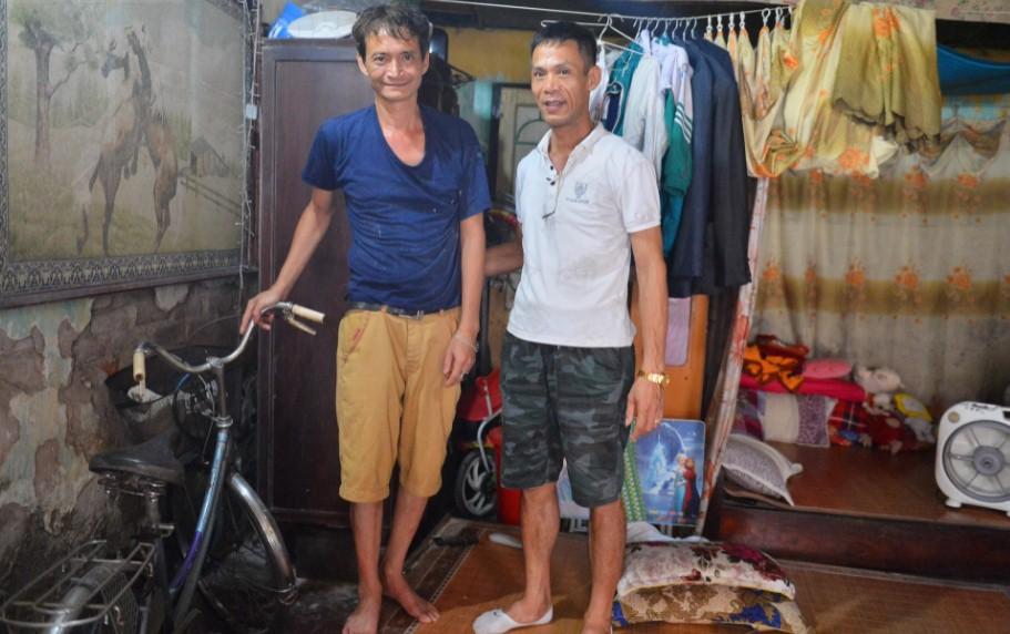 Vợ 'người hùng' đỡ bé gái rơi từ tầng 2 ở Nam Định tiết lộ tình hình sức khỏe đáng lo ngại của chồng 2