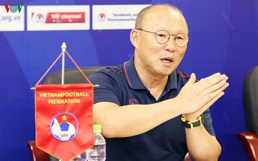 HLV Park Hang-seo úp mở chuyện tiếp tục gắn bó với bóng đá Việt Nam, nói một câu khiến triệu NHM lo lắng 2