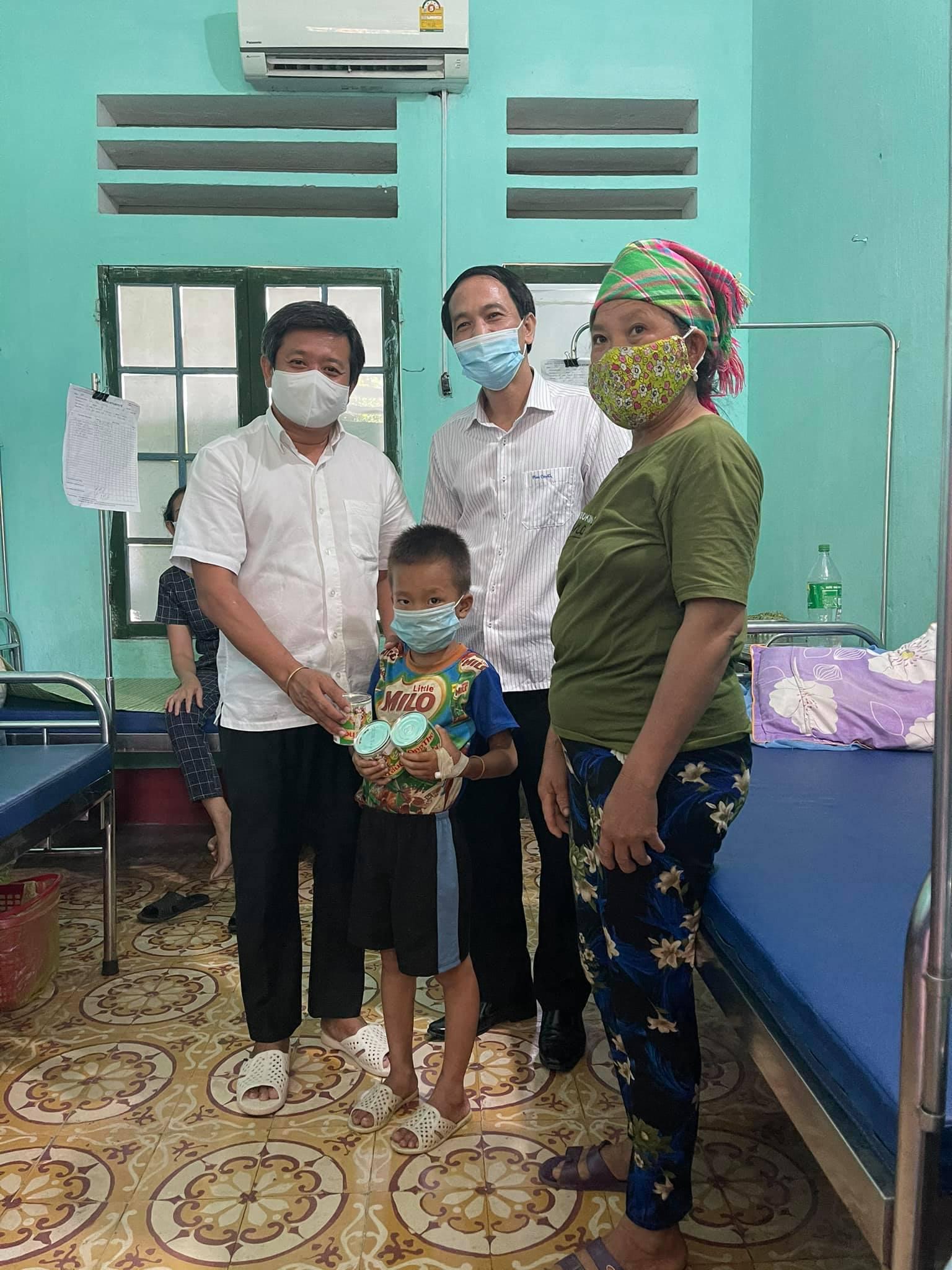 Ông Đoàn Ngọc Hải đem tặng chiếc xe cứu thương, kêu gọi quyên góp 3 tỷ để vượt qua đại dịch Covid-19 5