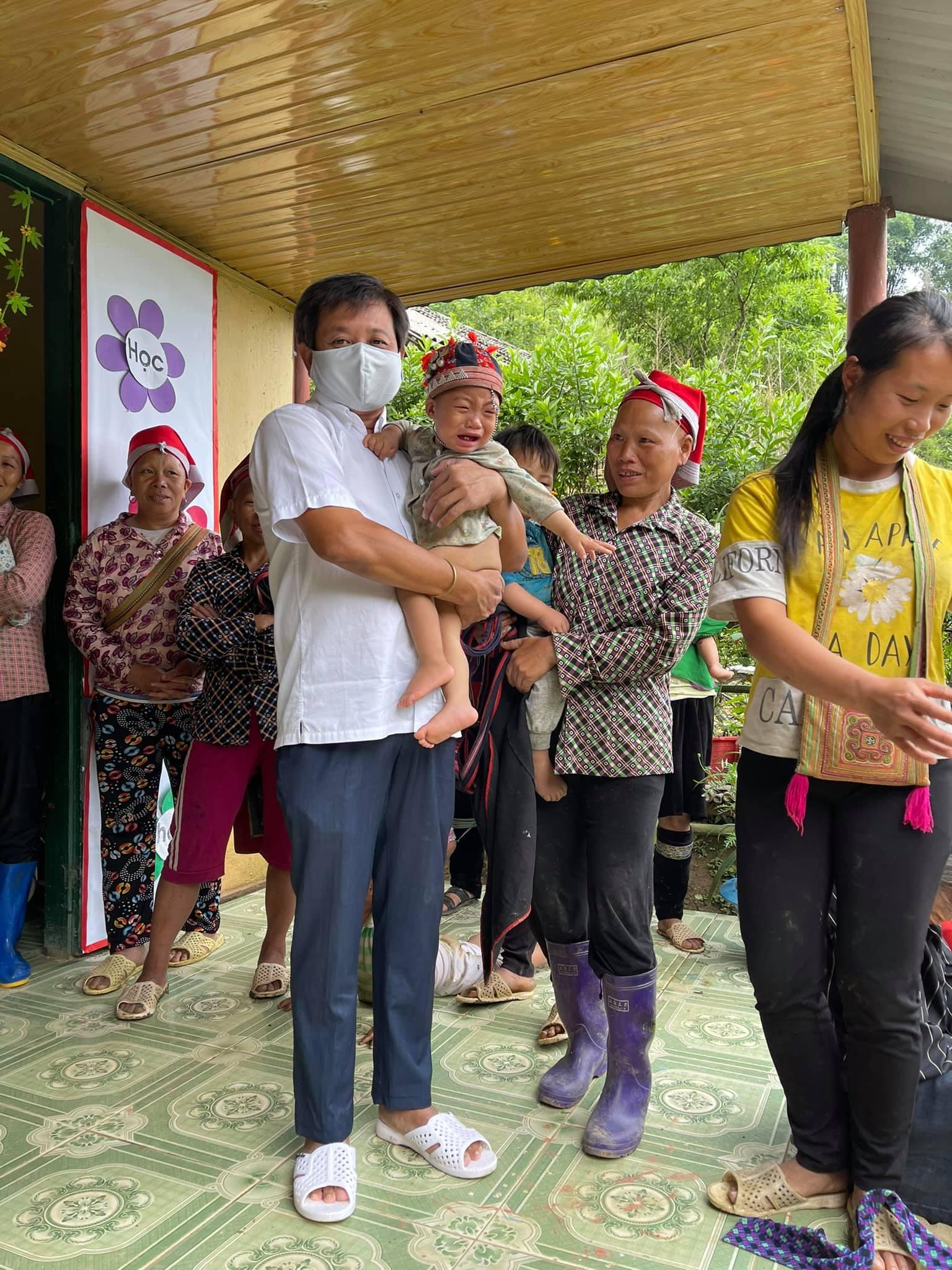 Ông Đoàn Ngọc Hải đem tặng chiếc xe cứu thương, kêu gọi quyên góp 3 tỷ để vượt qua đại dịch Covid-19 4