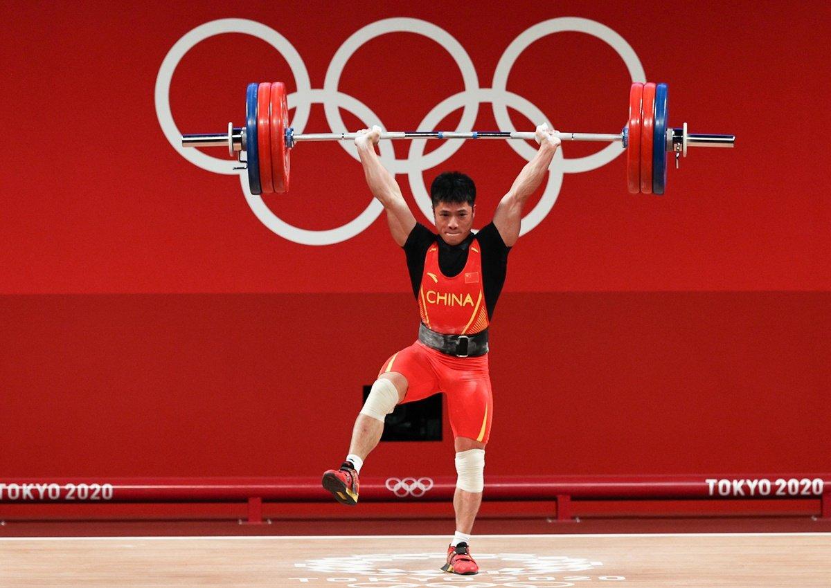 'Siêu nhân' cử tạ Trung Quốc gây choáng tại Olympic: Nâng tạ gần 200 kg với chỉ bằng một chân 4