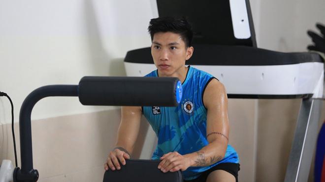 Đoàn Văn Hậu báo hung tin, ĐT Việt Nam thiếu vắng 'ngôi sao đẳng cấp châu Á' tại vòng loại World Cup 2