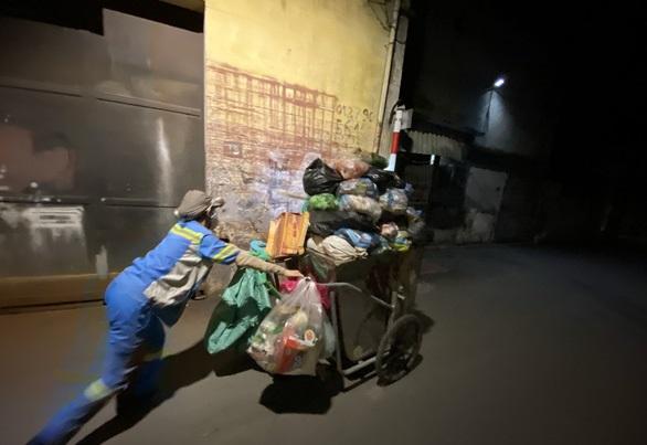 Gia cảnh đáng thương của nữ lao công bị kẻ gian lấy xe máy, gào khóc van xin trong vô vọng 5