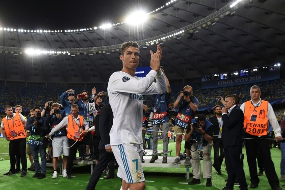 Ronaldo chịu hết nổi tại Juventus: Man City và PSG đồng loạt nói không, mái nhà xưa chào đón quay trở lại 3