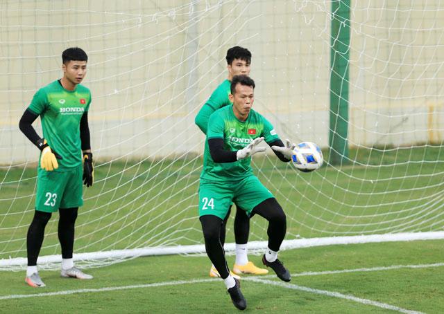 Đặng Văn Lâm báo tin dữ về chấn thương nặng, ĐT Việt Nam sẽ thiếu vắng thủ môn số 1 trong bao lâu? 3