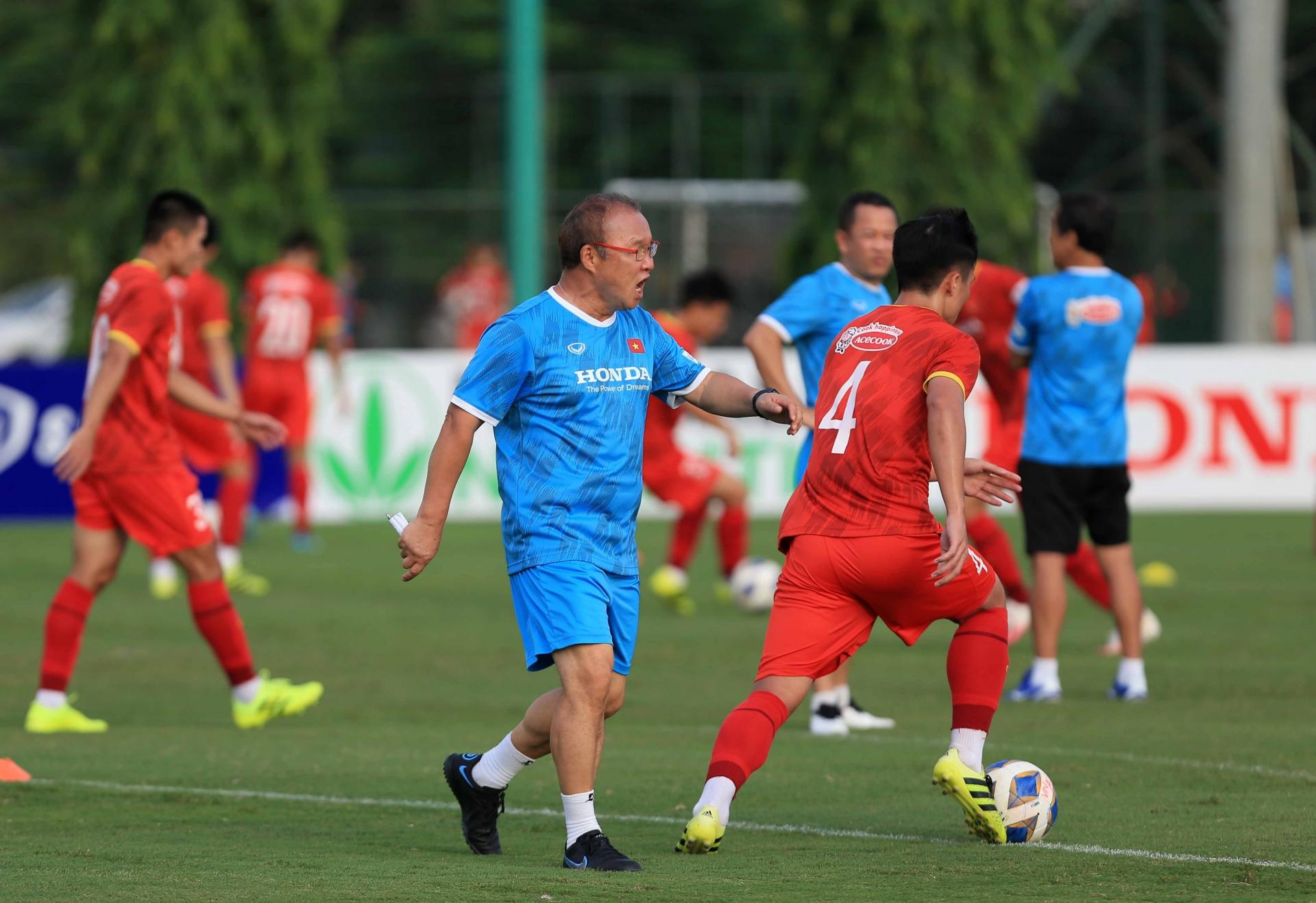 HLV Park Hang-seo loại 10 cầu thủ để dành sự ưu ái, Công Phượng vẫn báo tin xấu cho ĐT Việt Nam 1