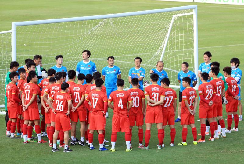 ĐT Việt Nam thắng 6-0 trước ngày lên đường sang Ả Rập Xê Út, HLV Park Hang-seo vẫn loay hoay vá hàng thủ 1