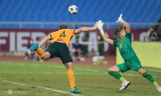 Bị từ chối quả 11m, ĐT Việt Nam vẫn kiên cường chiến đấu trước đối thủ hàng đầu châu lục 3