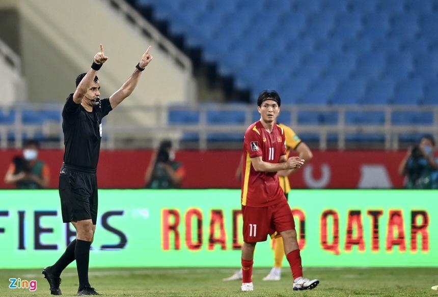 Bị từ chối quả 11m, ĐT Việt Nam vẫn kiên cường chiến đấu trước đối thủ hàng đầu châu lục 2