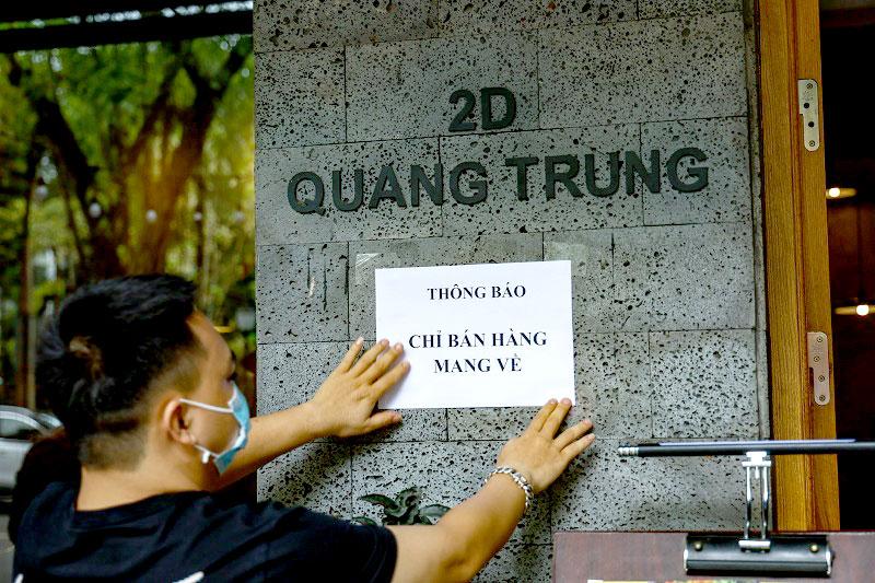 Hà Nội cho phép hàng ăn bán mang về, các văn phòng phẩm được phép mở cửa 1