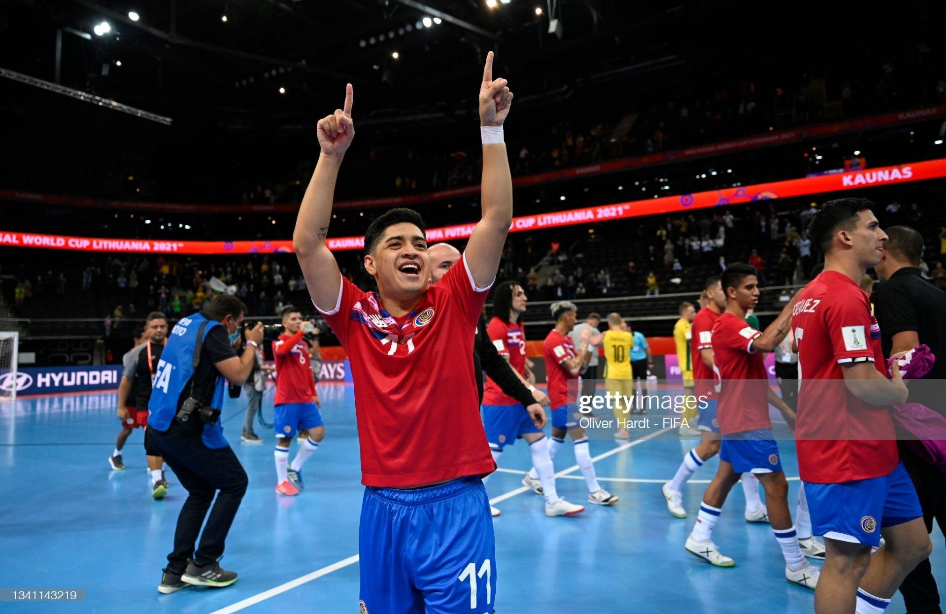 ĐT Việt Nam đấu CH Séc: Bất lợi cực lớn ập đến, cần một phép màu mới có thể đi tiếp 1