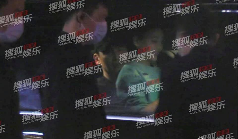 چو جا هیون صورت خود را برای Vu Hieu Quang حفظ کرد تا دختران عجیب و غریب بتوانند در دامان او بنشینند