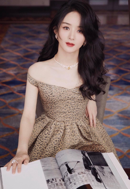 Xé tan mác phèn, Triệu Lệ Dĩnh xinh, sang, xuất sắc tại sự kiện Dior 6