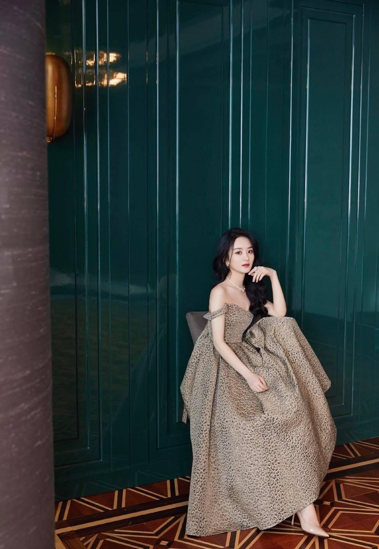 Xé tan mác phèn, Triệu Lệ Dĩnh xinh, sang, xuất sắc tại sự kiện Dior 9