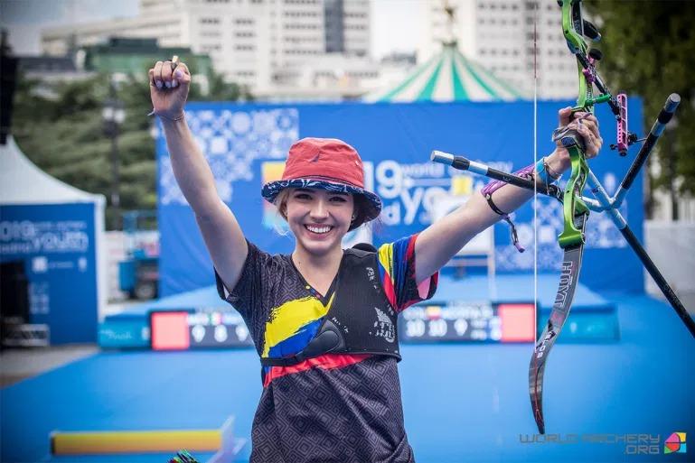 Vẻ đẹp thiên thần của nữ cung thủ Colombia tại Olympic Tokyo 2020 1