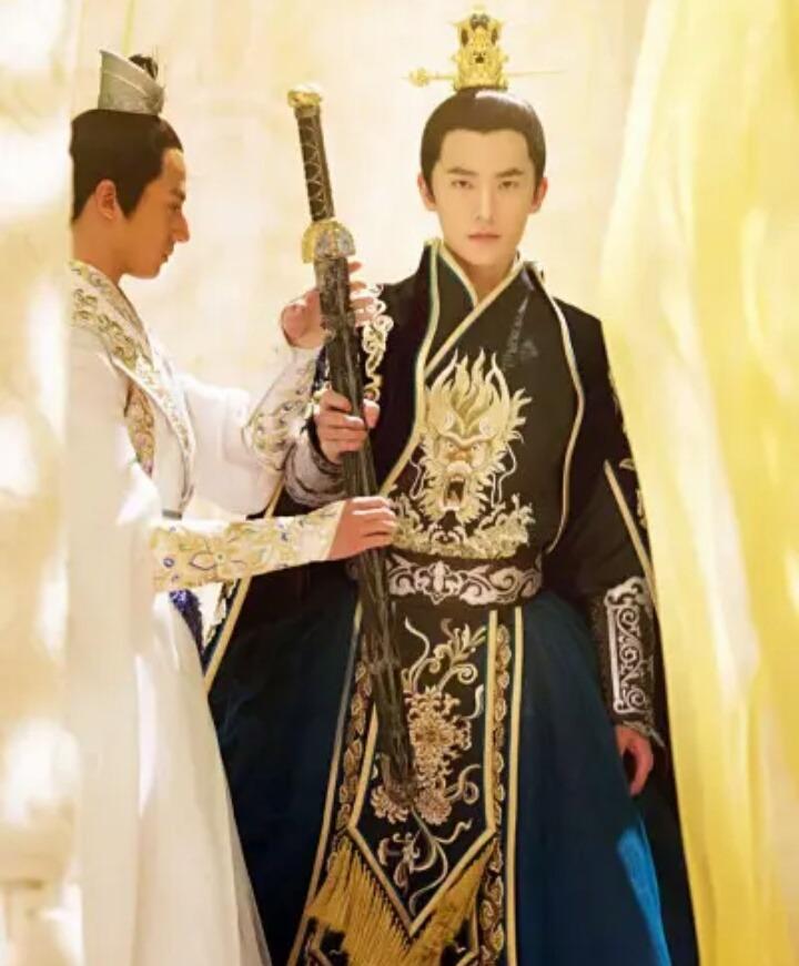 Top 10 nam thần cổ trang: Dương Dương, Vương Nhất Bác, Tiêu Chiến đều có phần 2
