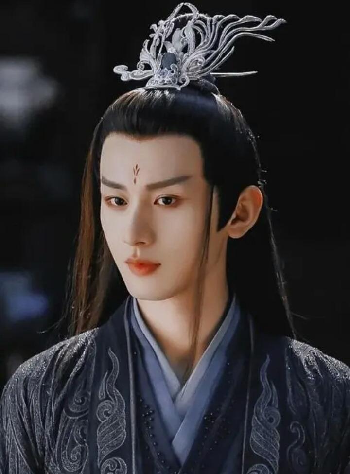 Top 10 nam thần cổ trang: Dương Dương, Vương Nhất Bác, Tiêu Chiến đều có phần 7