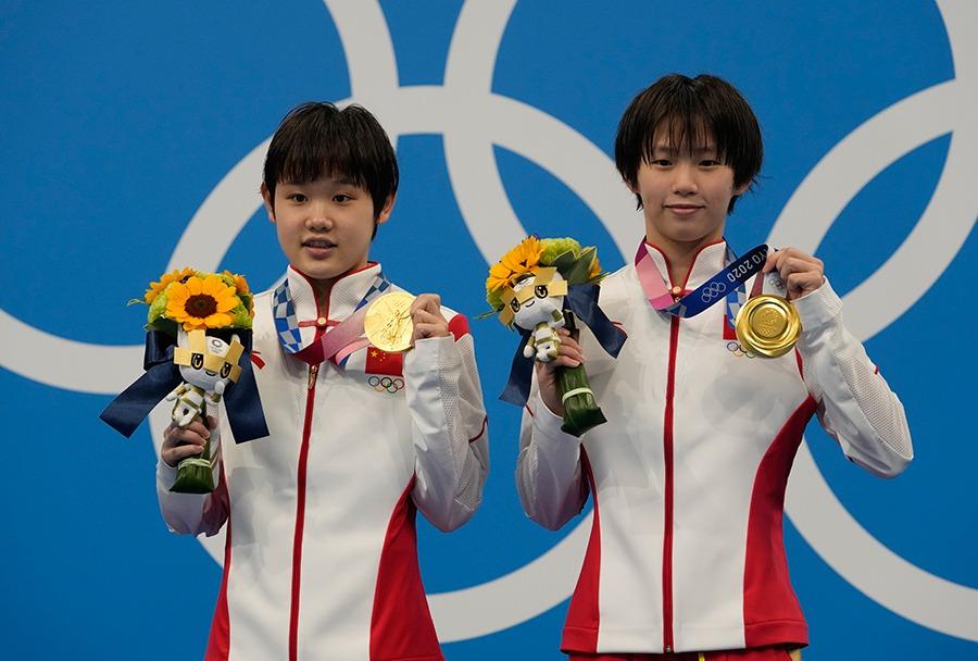 Cung Tuấn được nhà vô địch Olympic tỏ tình 3