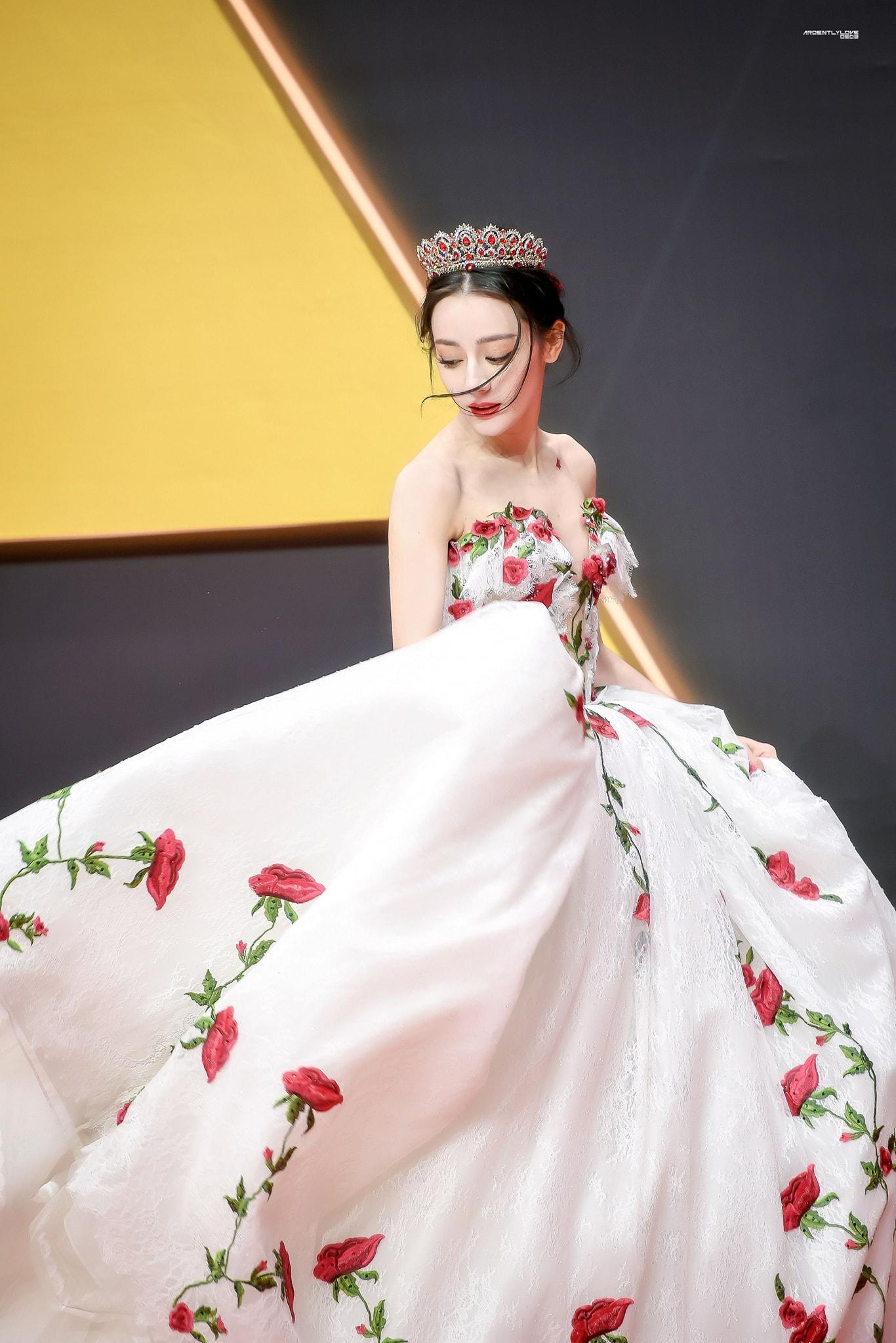 BXH sao nữ Cbiz tháng 7/2021: 'Đỉnh lưu dởm' Dương Tử top 1, Lệ Dĩnh, Diệc Phi vắng bóng 3