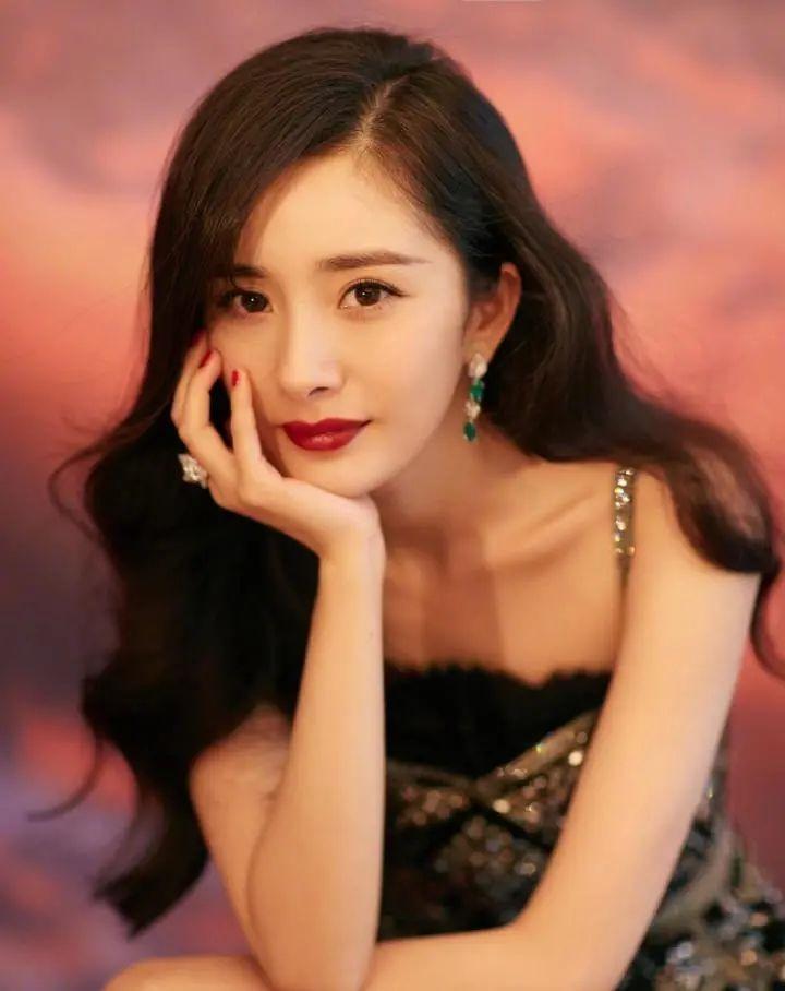 Dương Mịch mách fan 10 cách tạo dáng chụp ảnh đẹp như bìa tạp chí 7