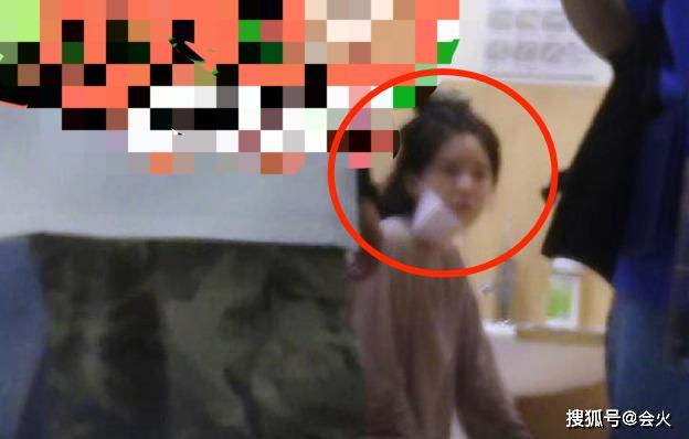 Triệu Lộ Tư gặp nạn phải vào viện giữa lúc quay phim, fan nghe xong buồn rớt nước mắt 2