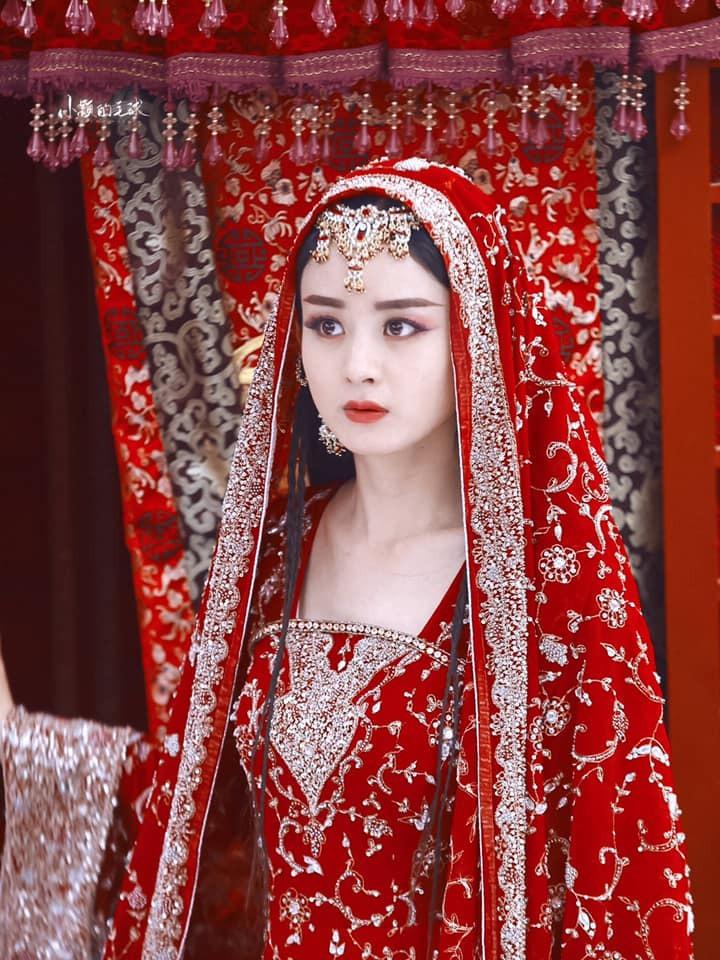 Dương Mịch, Lệ Dĩnh, Diệc Phi, Đường Yên... xúng xính trong trang phục tân nương cổ trang 9
