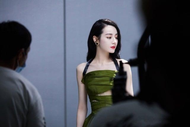 Nhiệt Ba vượt mặt Dương Mịch, Diệc Phi, Lệ Dĩnh... trở thành 'nữ hoàng' trong BXH giá trị thương mại 3