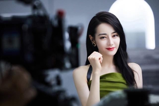 Nhiệt Ba vượt mặt Dương Mịch, Diệc Phi, Lệ Dĩnh... trở thành 'nữ hoàng' trong BXH giá trị thương mại 5