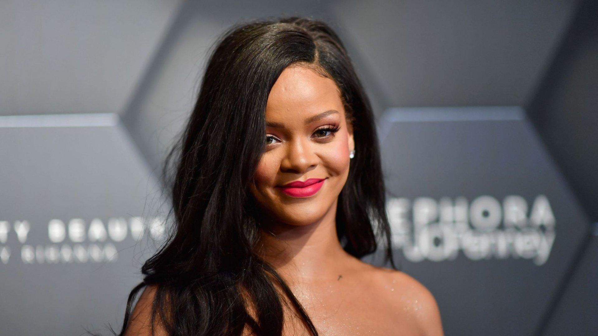 Rihanna trở thành nữ ca sĩ giàu nhất thế giới 4