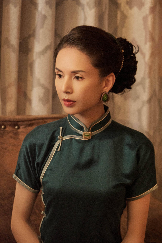 'Tiểu Long Nữ' Lý Nhược Đồng mặc sườn xám khoe vóc dáng tuyệt mỹ ở tuổi 54 4