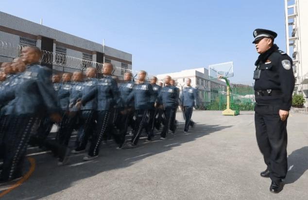 Viễn cảnh Ngô Diệc Phàm học thêu thùa, may vá, sống lành mạnh trong tù khiến Cnet 'bật ngửa' 3