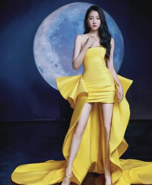 Quan Hiểu Đồng thất kinh, Ngô Tuyên Nghi sợ hãi, Cúc Tịnh Y chột dạ, Nhiệt Ba xấu hổ vì váy vóc dự tiệc 4