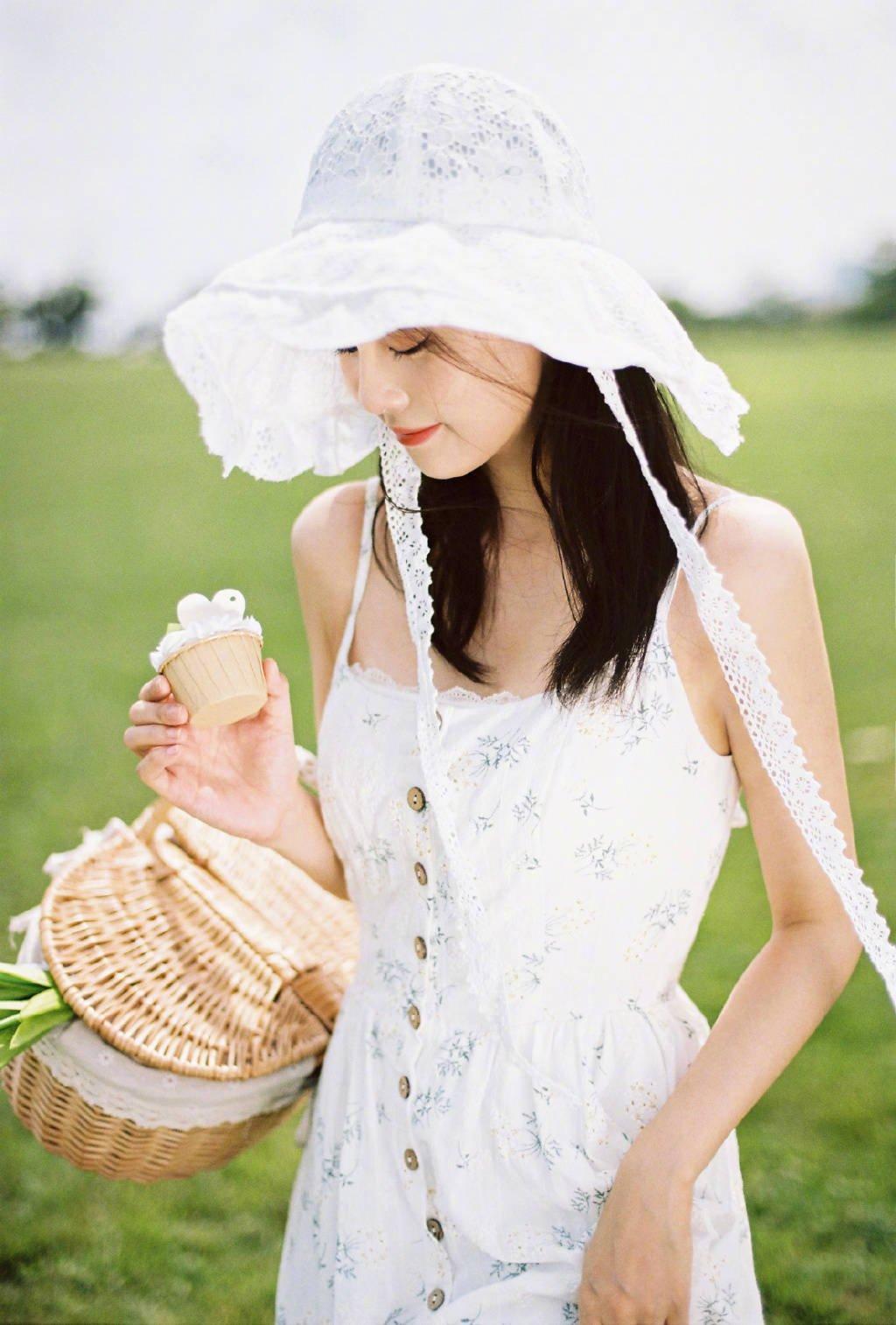 Bạch Lộc hóa 'nai trắng', khoe vẻ đẹp tinh khôi trong bộ ảnh mới 1